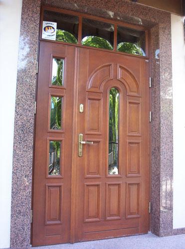 10Olimpia_drzwi_zewnetrze