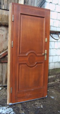50Ofelia_drzwi_zewnetrze